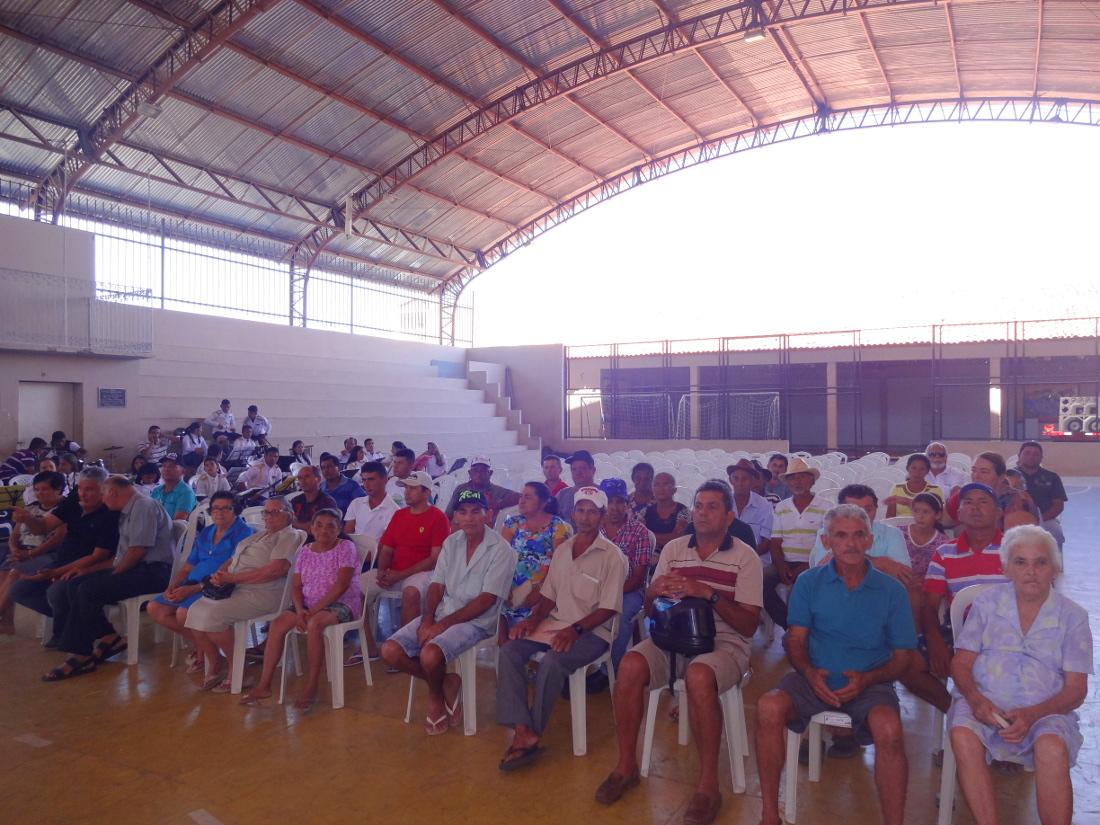 Agricultores recebem título de propriedade rural em Marco