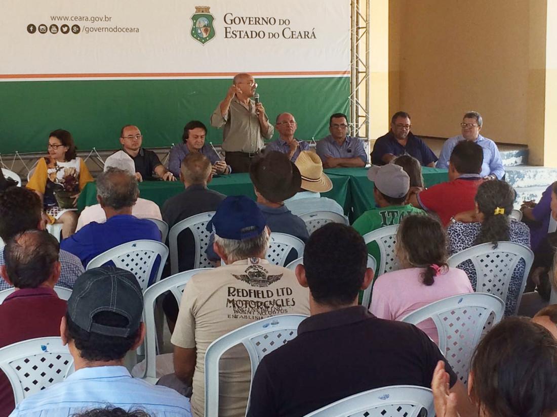 Governo do Ceará entrega 1.586 títulos de propriedade rural em três municípios