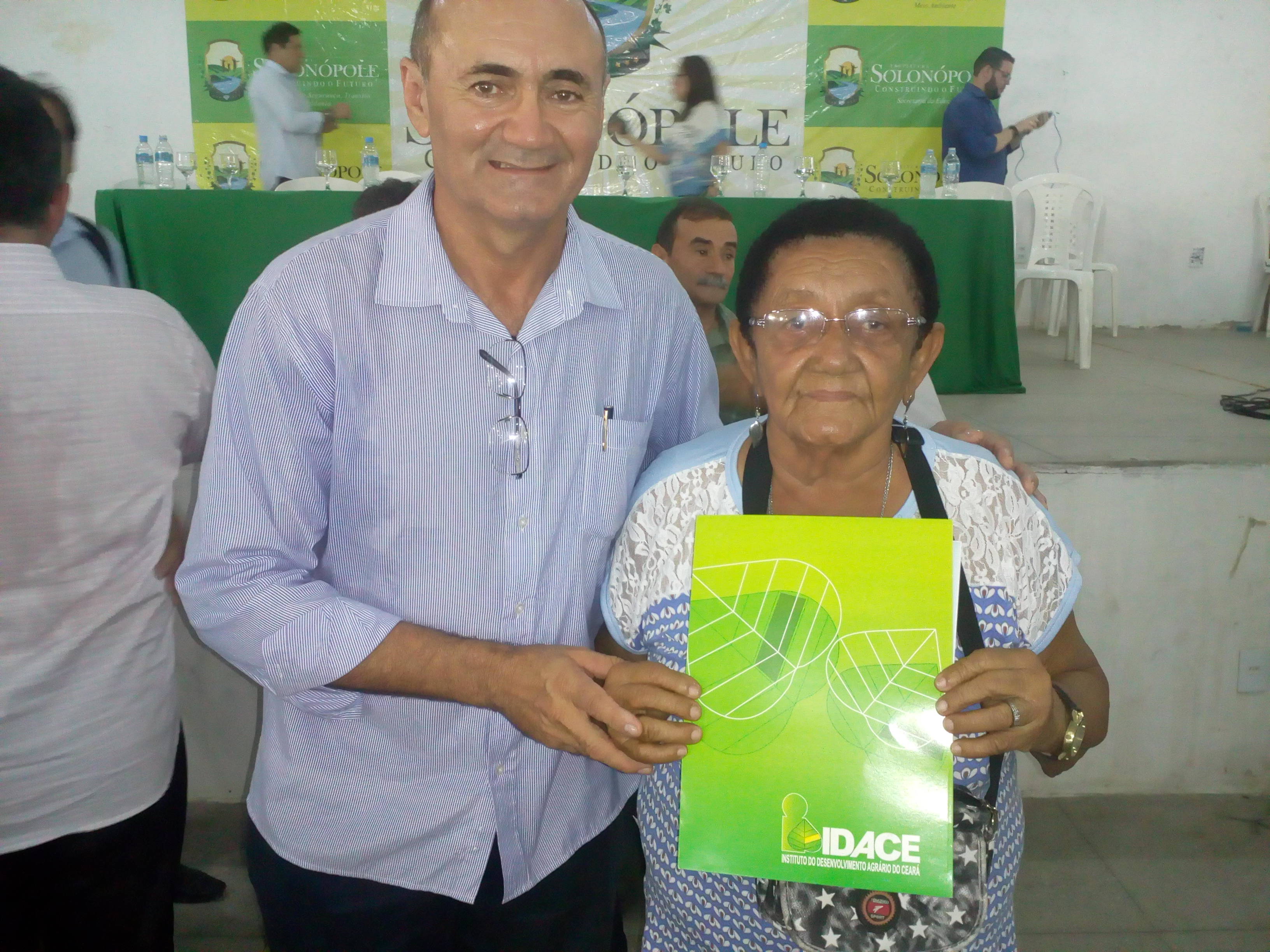 Agricultora familiar de 78 anos de idade recebe título da terra em Solonópole