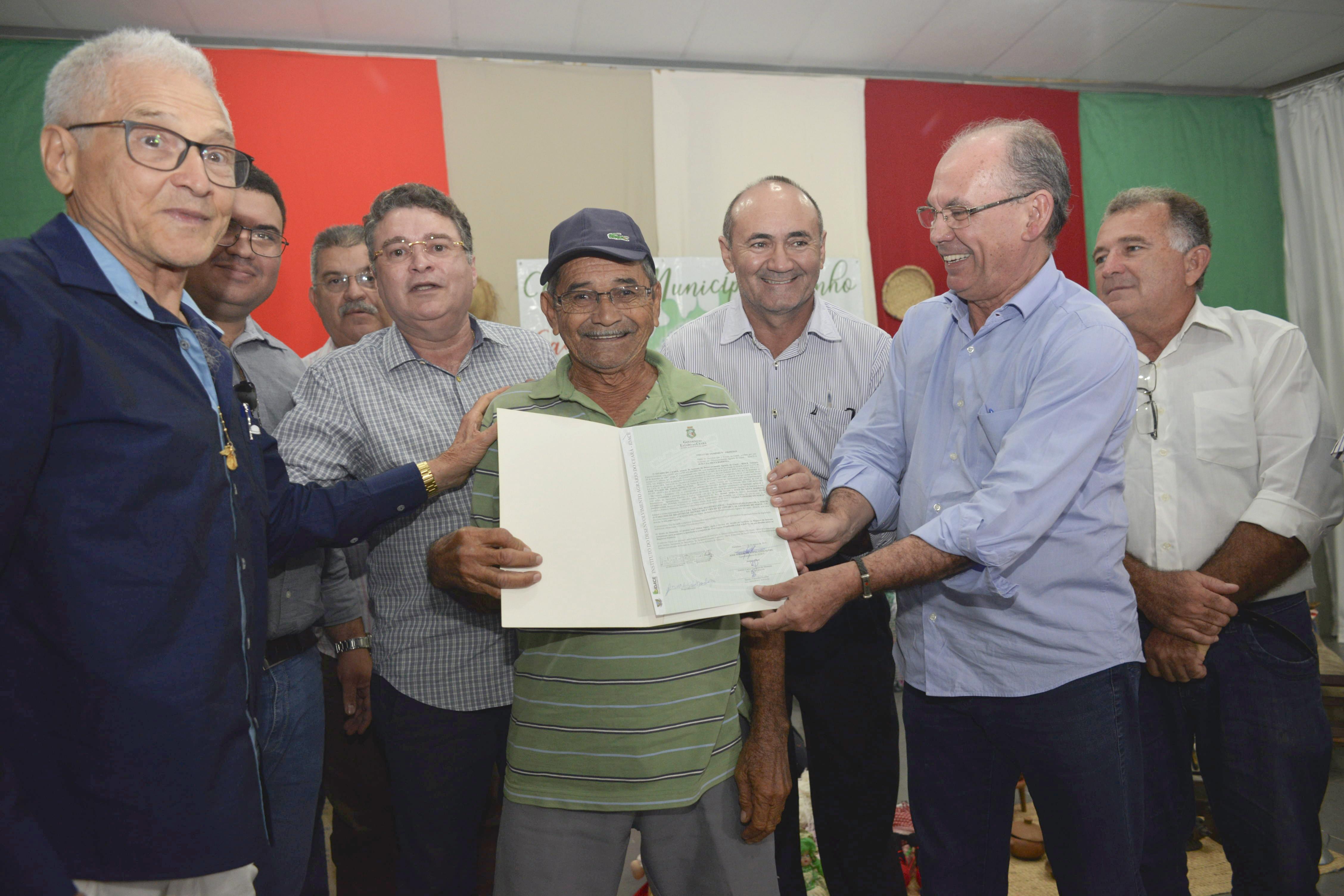 Regularização Fundiária: Governo do Ceará entrega Títulos de terra em Limoeiro do Norte