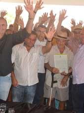 Sertão Central recebe 175 títulos de terra do Governo do Ceará