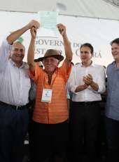 Governo do Ceará bate recorde na entrega de títulos de propriedade a agricultores familiares