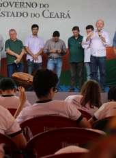 Jaguaribe comemora festa da padroeira com entrega de títulos de terra